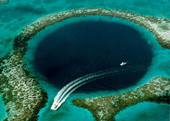 Great Blue Hole Belize Shark Diving Spot
