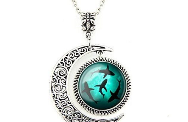 Circling Shark Pendant: Gifts for shark lovers